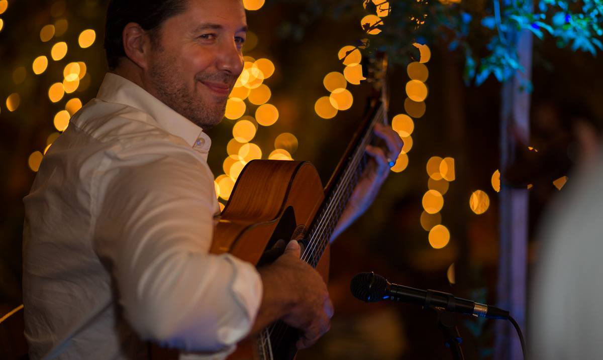 Vincent Zorn is Charlottesville, Virginia based Rumba Flamenco Guitarist. Available to perform weddings, private & corporate events in Charlottesville, Washington DC, Los Angeles, Santa Barbara, and beyond. Perfect guitar music for weddings, wedding ceremonies, cocktail hours, receptions, anniversaries, corporate & private events, wineries, breweries, fundraisers, wine tastings, or any special occasion.